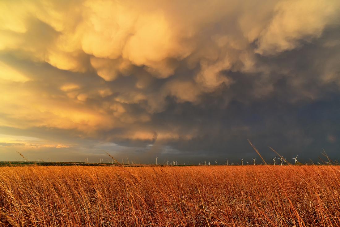 Mammatus Clouds: Cestos, OK